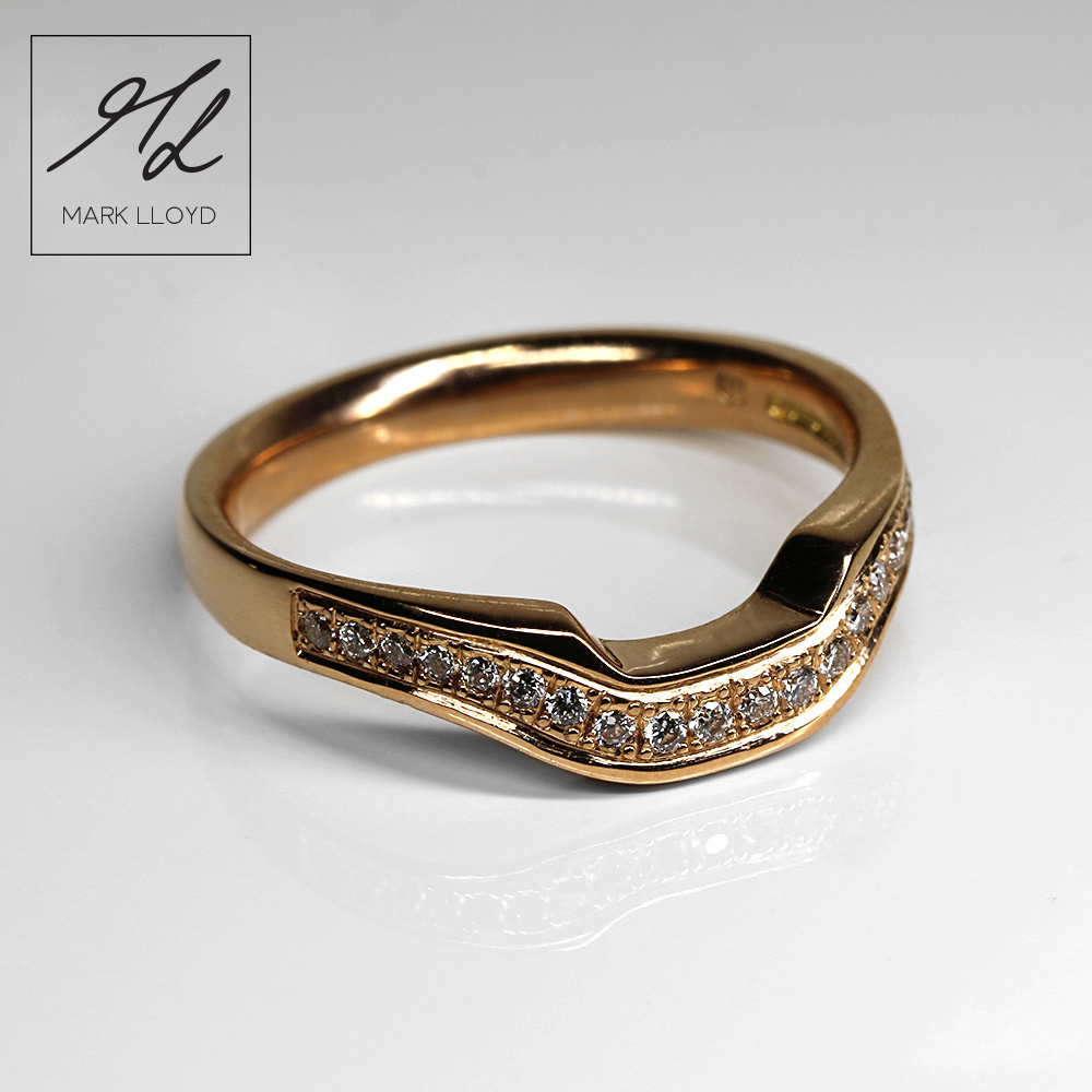 shaped-wedding-rings gold-4