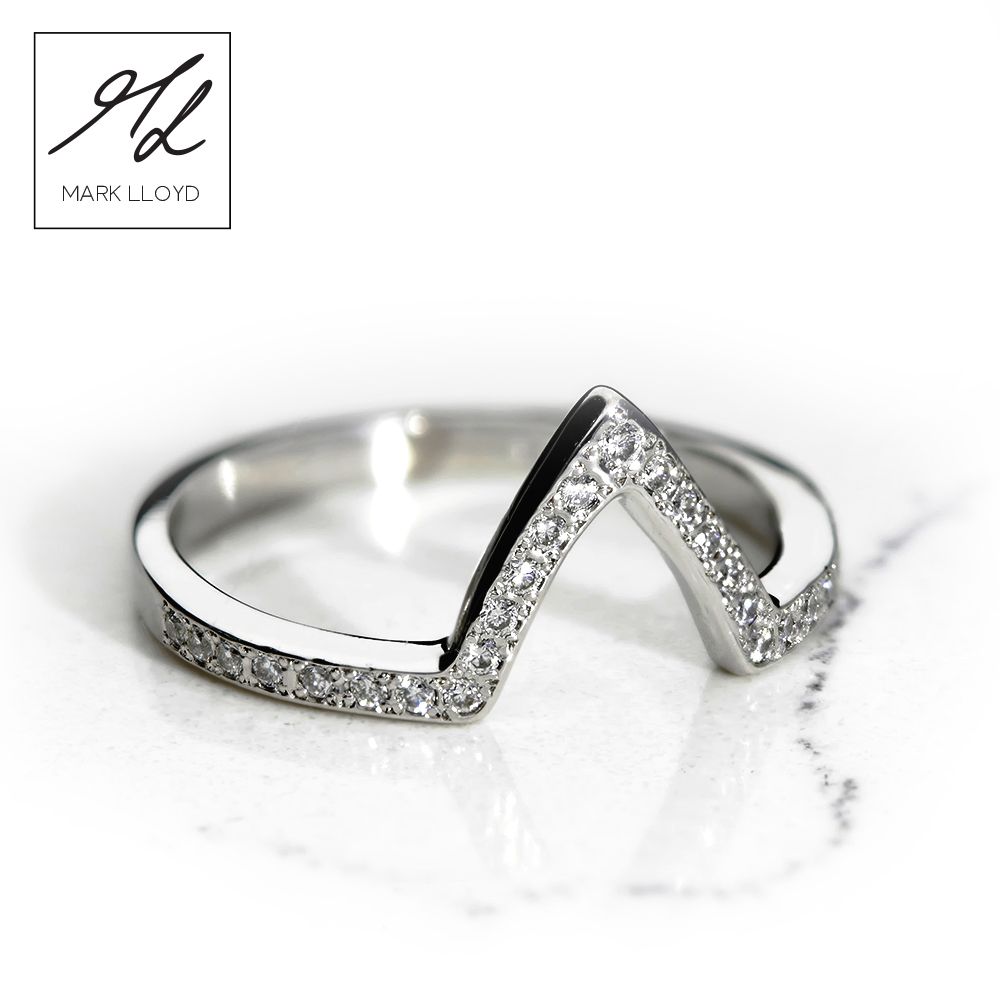 White-gold-Shaped-Diamond-Set-Ring